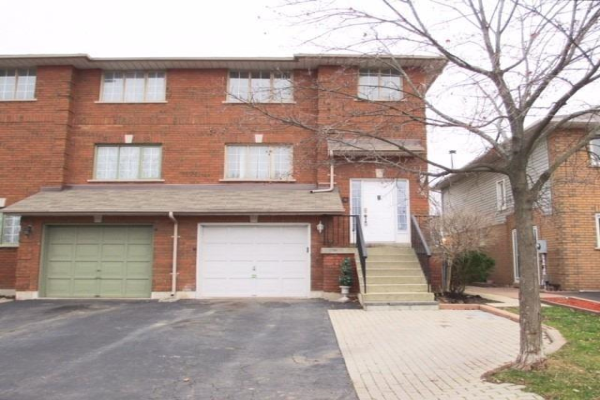 354 Howell Rd, Oakville