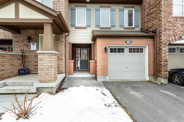 18 Colonel Frank Ching Cres, Brampton