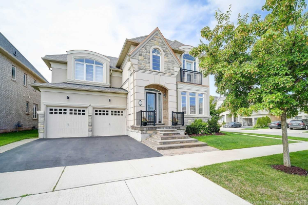 537 Daniel Clarke Way, Oakville