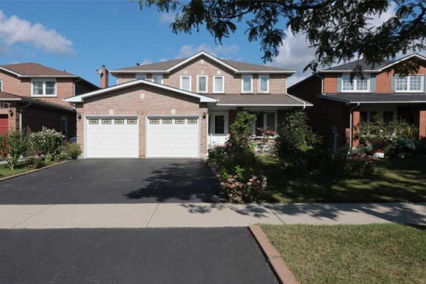 927 White Clover Way, Mississauga