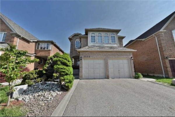 5233 Russell View Rd, Mississauga