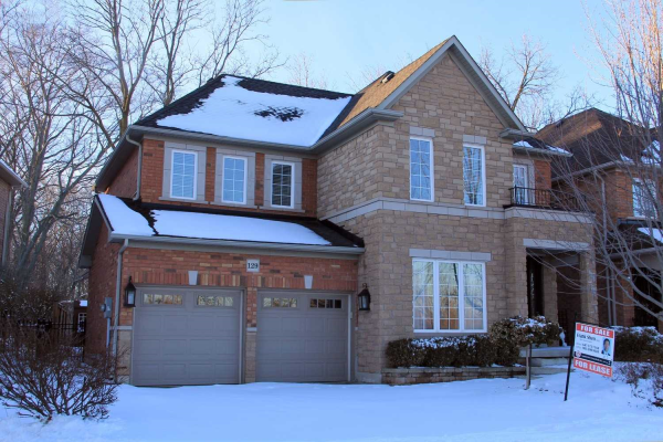 129 Creek Path Ave, Oakville