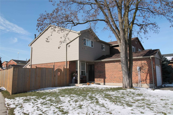 475 Woodlawn Cres, Milton