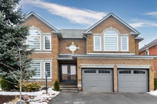 121 Mountainash Rd, Brampton