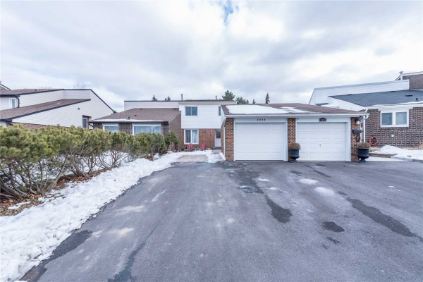 2540 Mainroyal St, Mississauga