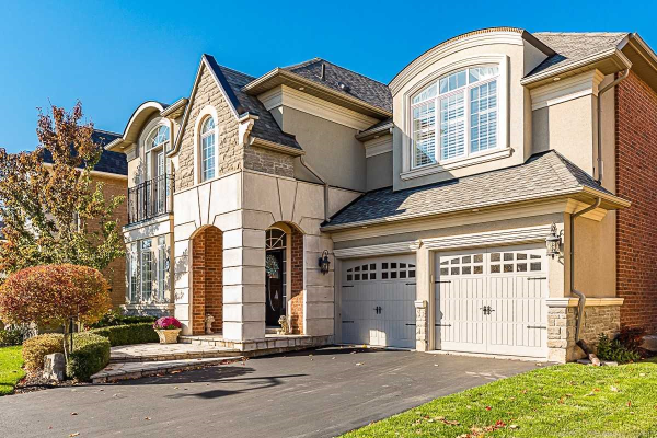 327 Turning Leaf Rd, Oakville