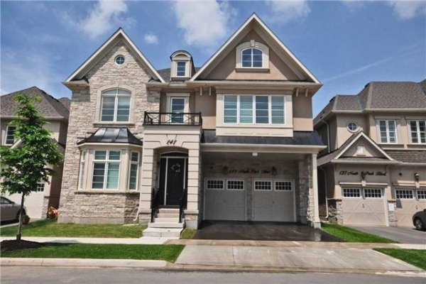 141 North Park Blvd, Oakville
