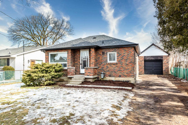 32 Harrow St, Mississauga