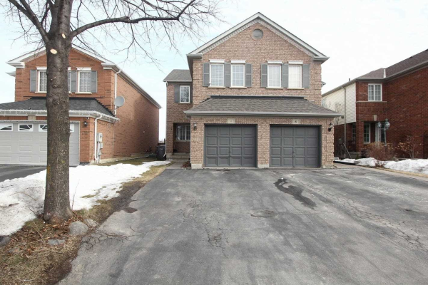 4 Bunchberry Way, Brampton