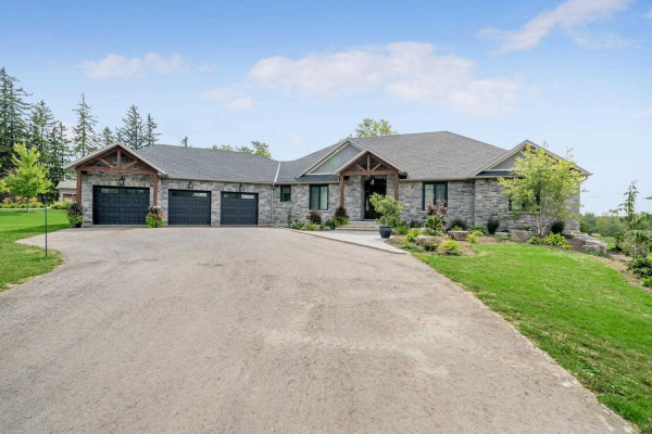 10740 First Line Nassagawe, Milton