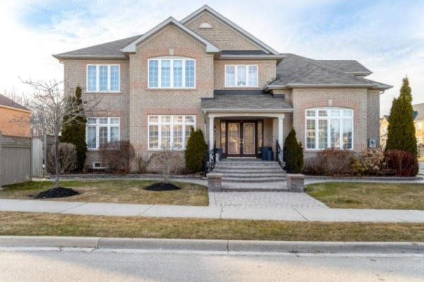 5200 Churchill Meadows Blvd, Mississauga