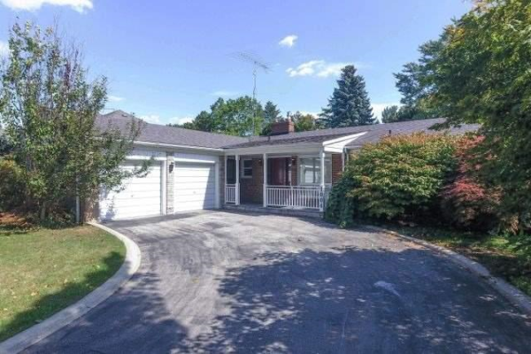 1004 Caldwell Ave, Mississauga