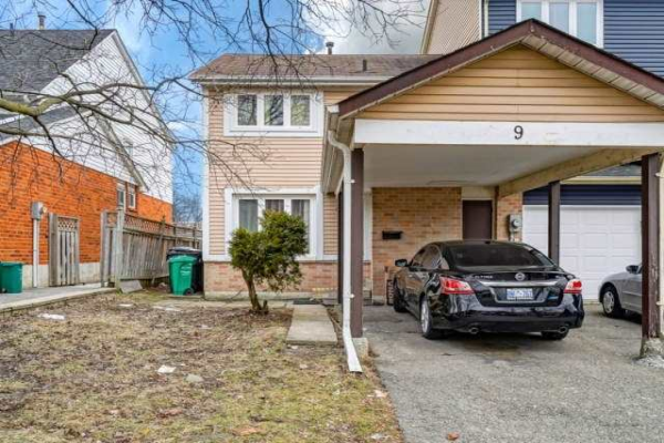 9 Courtleigh Sq, Brampton