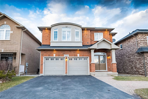 2361 Grand Oak Tr, Oakville