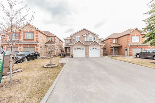 41 Highmore Ave, Caledon