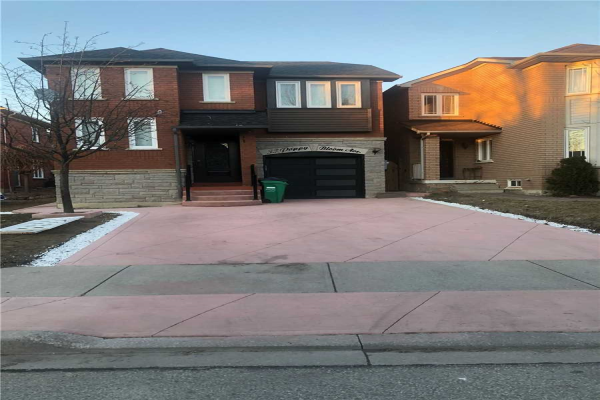 33 Poppy Bloom Ave, Brampton
