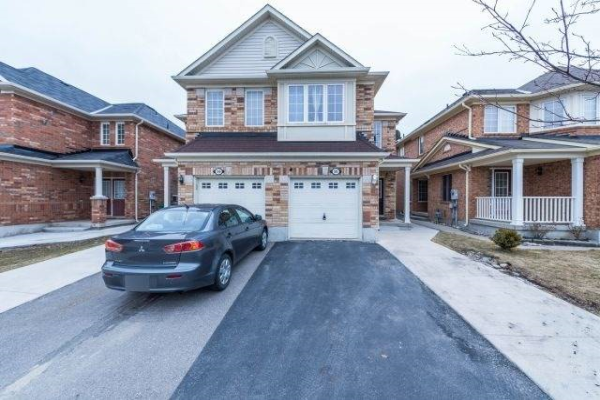 56 Coachlight Cres, Brampton