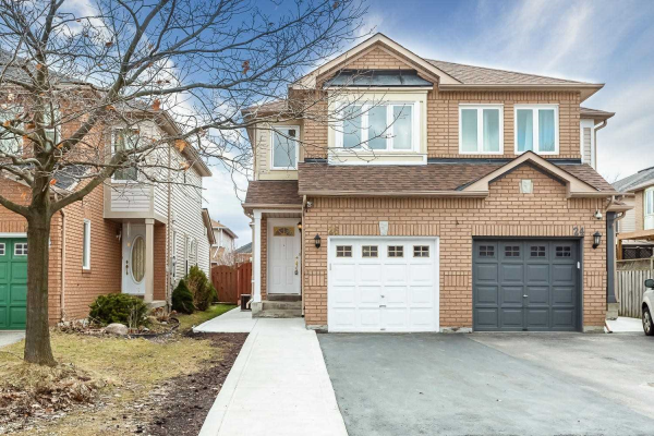 26 Yellow Brick Rd, Brampton