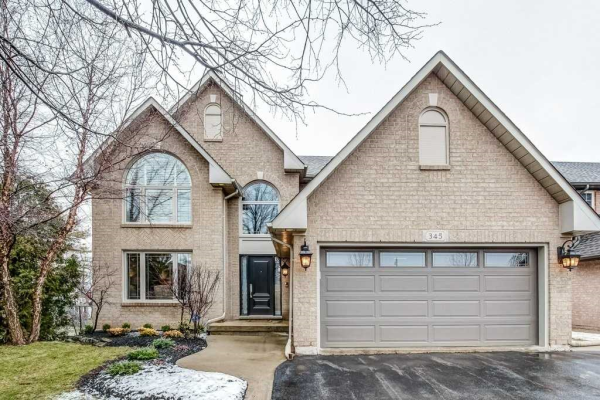 345 Canyon Cres, Oakville