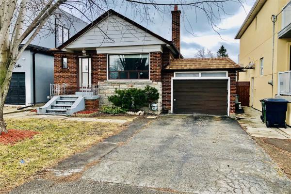 951 Castlefield Ave, Toronto