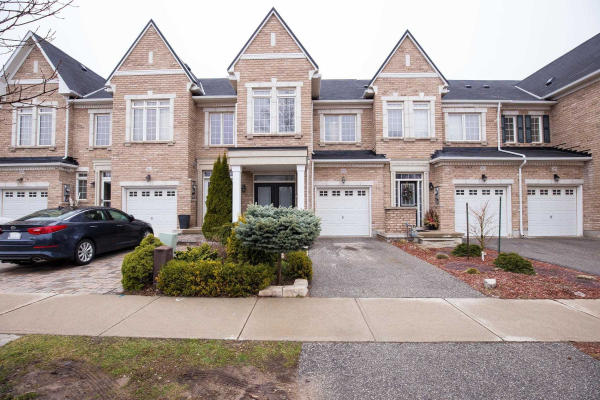 2413 Grand Oak Tr, Oakville