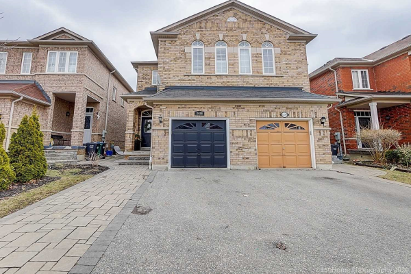 3486 Fountain Park Ave, Mississauga