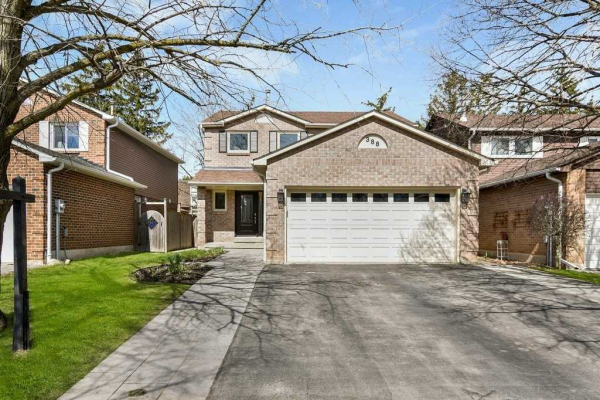 388 Woodlawn Cres, Milton