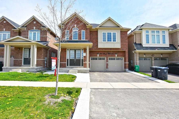 357 Royal West Dr, Brampton