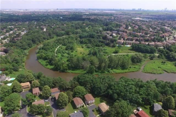 1831 Hyde Mill Cres, Mississauga
