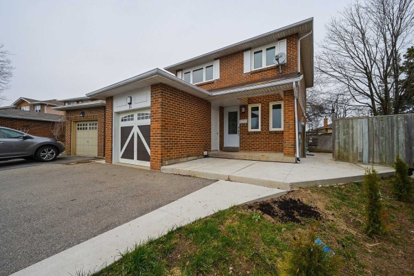 14 Tropical Crt, Brampton