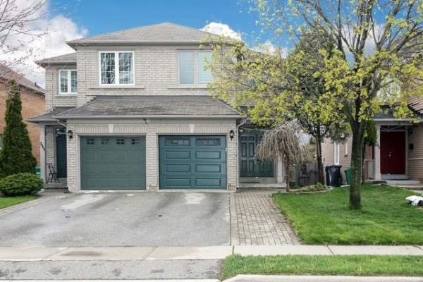 245 Morningmist St, Brampton