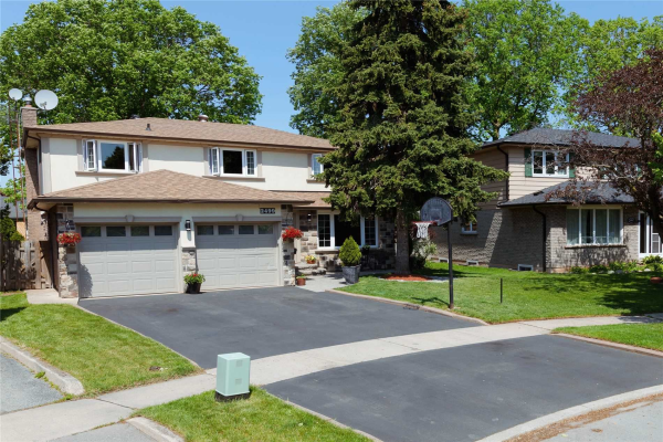 2499 Waterford St, Oakville