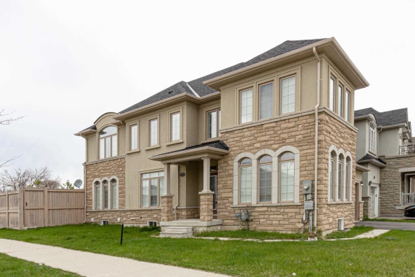2579 Grand Oak Tr, Oakville