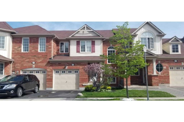 288 Woodley Cres