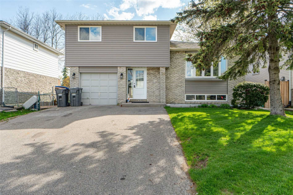 56 Grassington Cres, Brampton