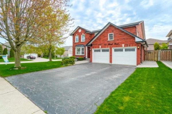 105 Howell Rd, Oakville