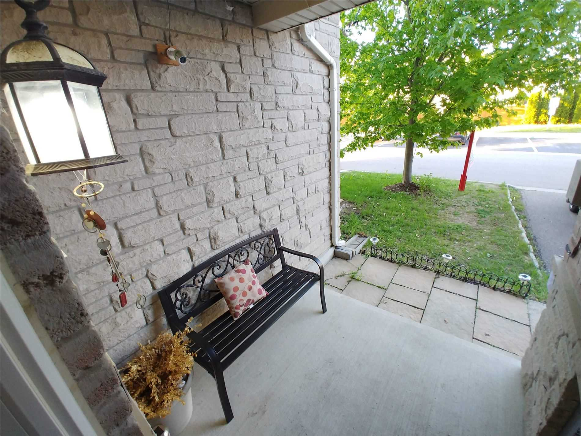 Listing W4766530 - Thumbmnail Photo # 4