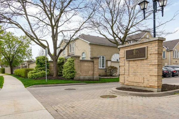 1 Hartnell Sq, Brampton