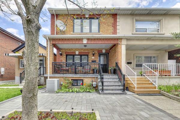 35 Ward St, Toronto