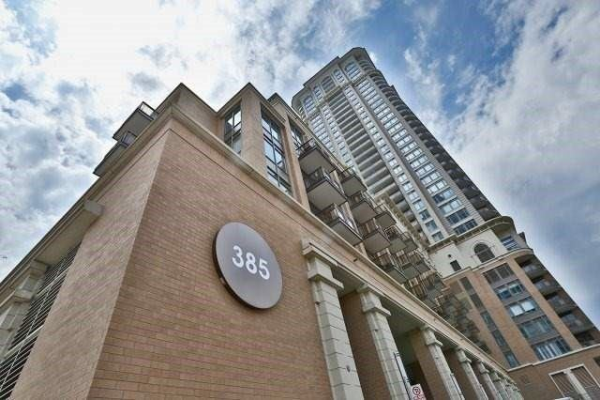 385 Prince Of Wales Dr, Mississauga