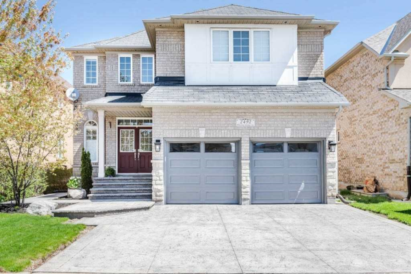 2492 Whistling Springs Cres, Oakville