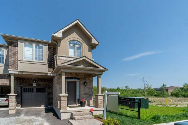 399 Threshing Mill Blvd, Oakville
