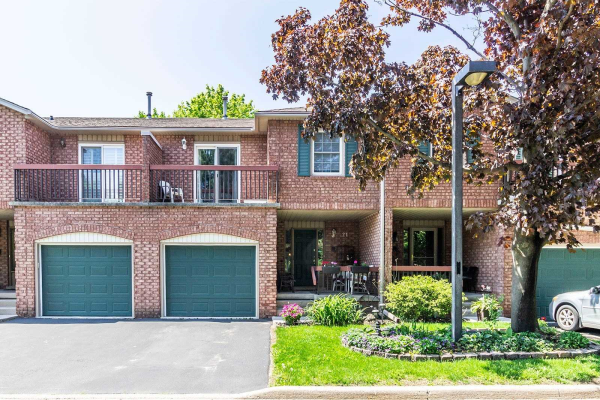 1205 Lambs Crt, Burlington