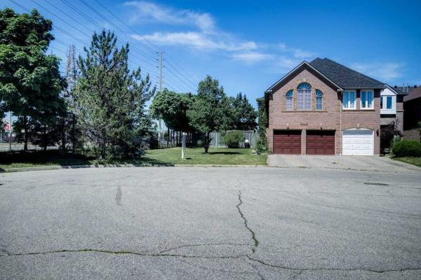6991 Roundwood Crt, Mississauga