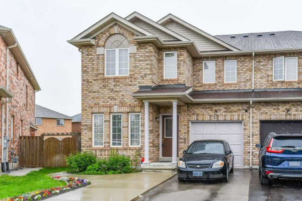 21 Commodore Dr, Brampton