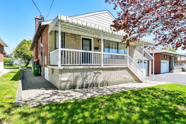 133 Culford Rd, Toronto