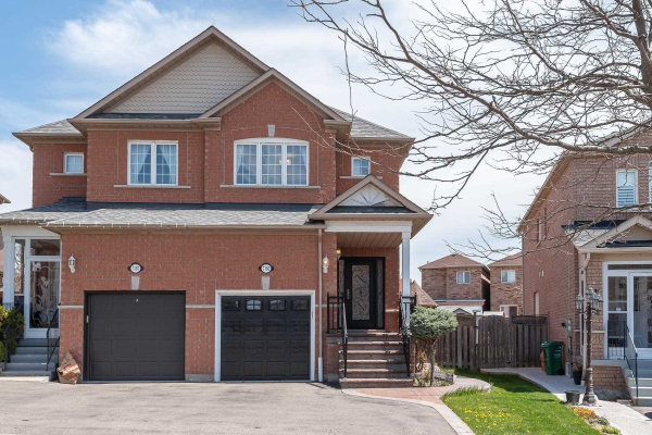 $815,000 • 7185 Sedan Sq, Mississauga