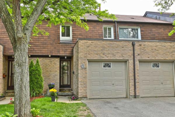 660 Oxford Rd, Burlington