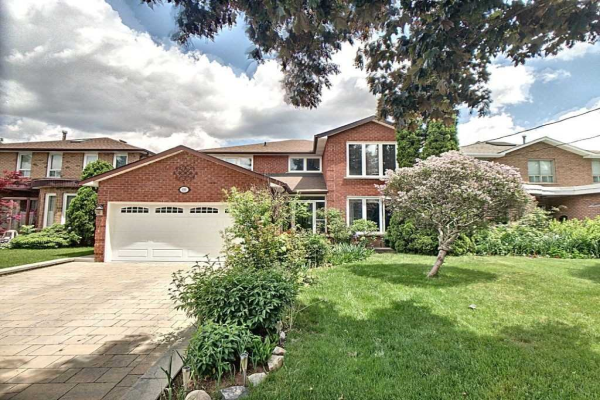 69 Elmcrest Rd, Toronto