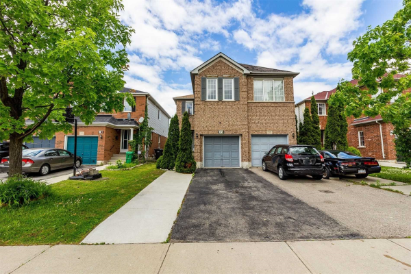 12 Hackberry Gate, Brampton